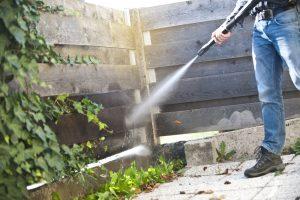 Nettoyage clôture béton