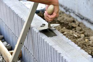 Pose clôture béton soi-même ou par un professionnel