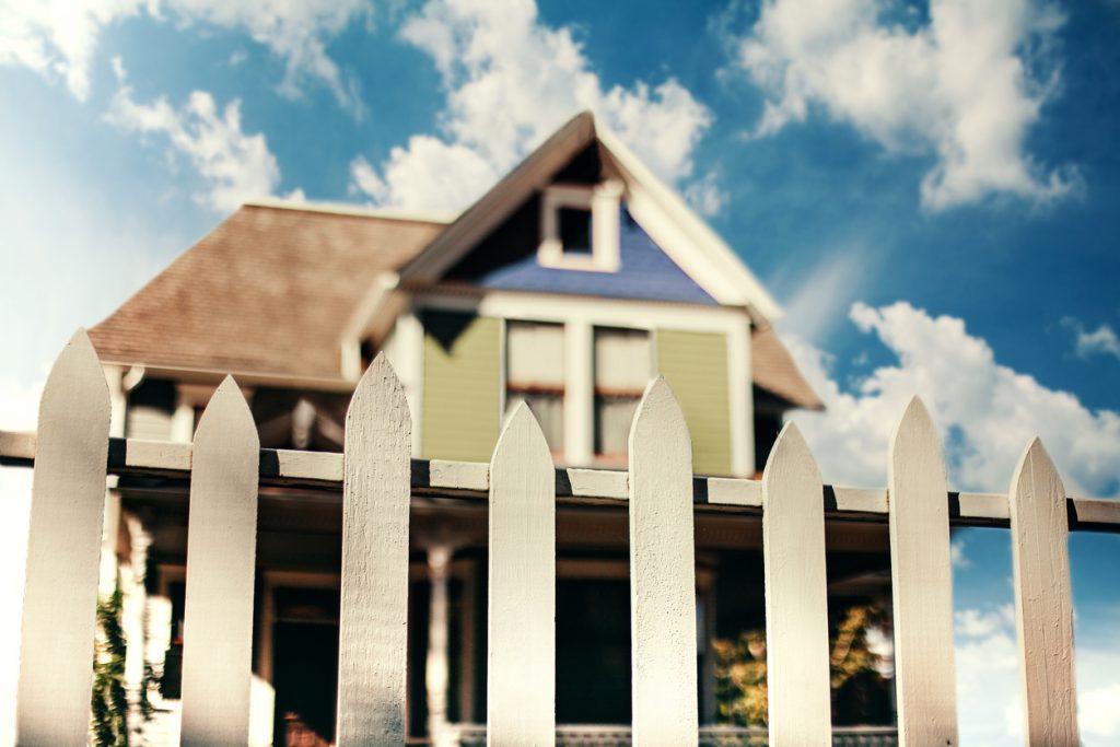 clôtures de jardin: prix, types, avantages et inconvénients